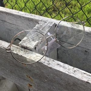 Accessories - New clear lenses metal lady's sunglasses